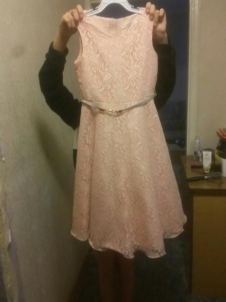 Продам платье к новому рост 140