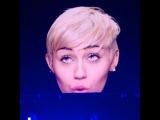 Miley Cyrus – #Bangerz Tour