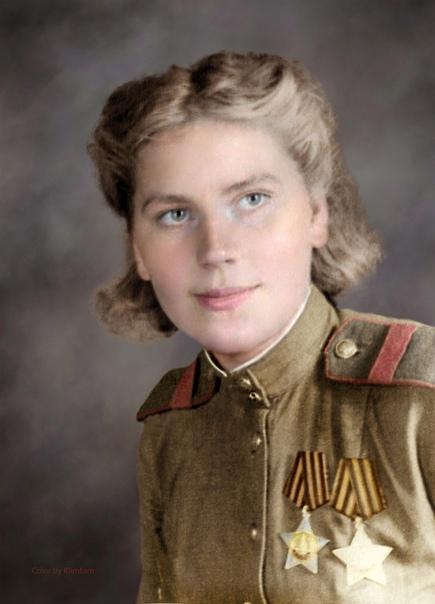 Портрет первой девушки-снайпера, которая стала кавалером Ордена Славы, была Роза Шанина