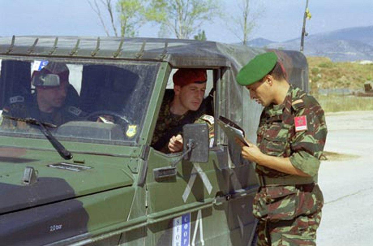 Photos de nos soldats et des Bases Marocaines - Page 2 UhFhc4tgJXI