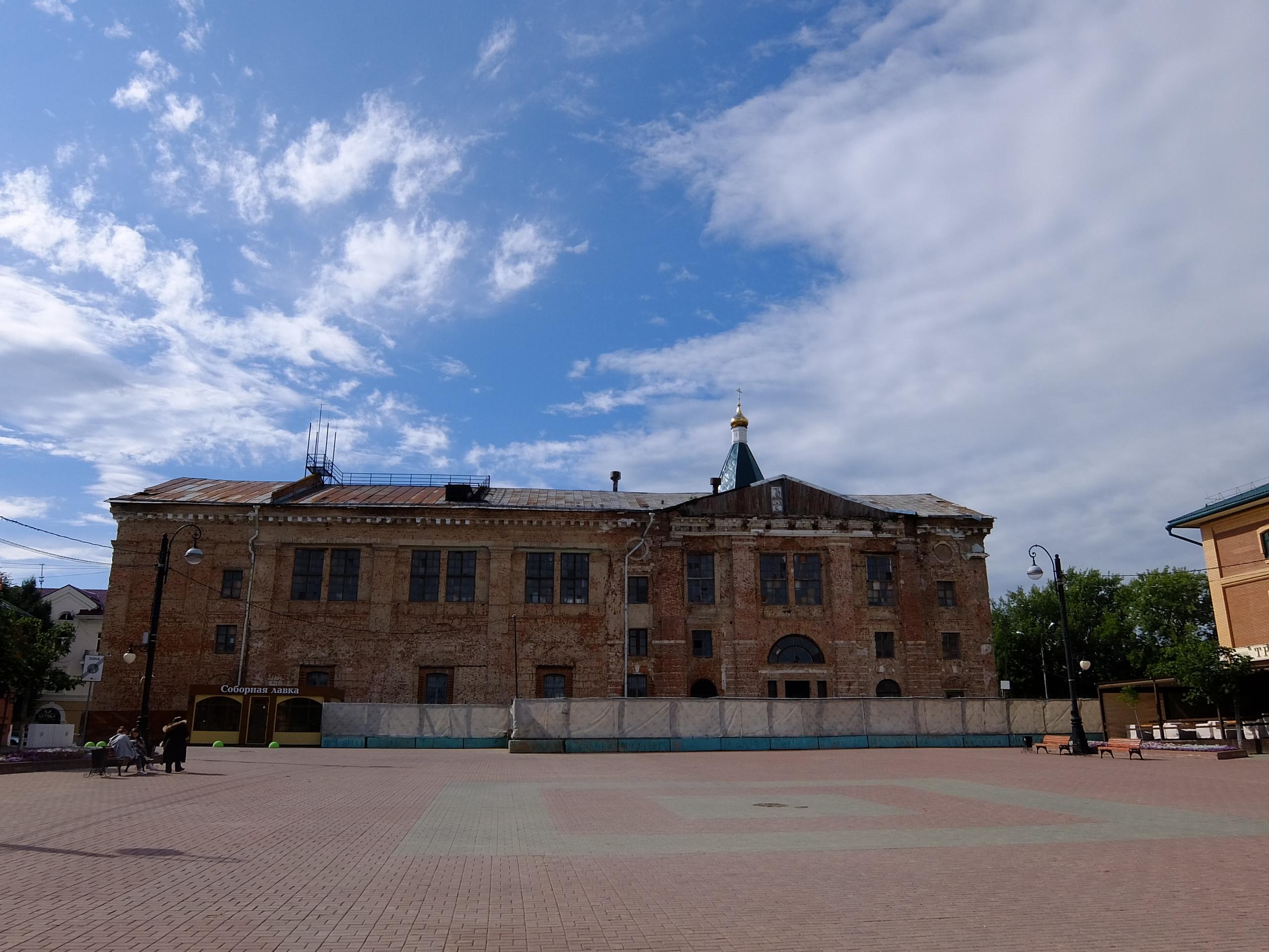 Он же, вид со стороны Советской площади