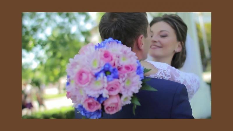 Улыбка невесты и влюбленный взгляд жениха – важные компоненты свадьбы! Мы поможем сохранить самые трогательные моменты вашего т