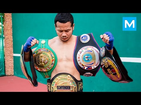 Yodsanklai Fairtex Muay Thai Training | Muscle Madness