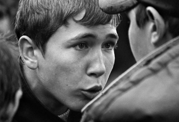 Отдельное повсеместное культурное (точнее, бескультурное явление СССР и России гопники.Фотопроект Пацаны Автор: Алик