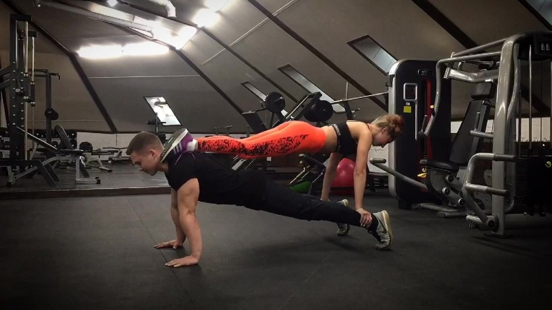 Тренировка в фитнес клубе Кремень г.Кременки