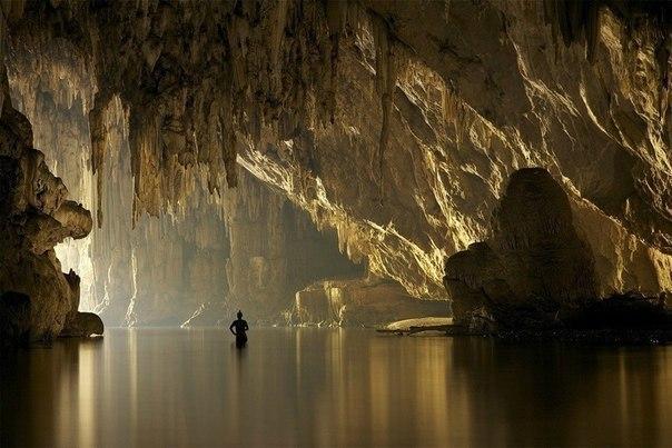 Пещерная река в Таиланде