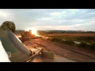 Николаевка украинские силовики ведут огонь из танков 03.07.2014