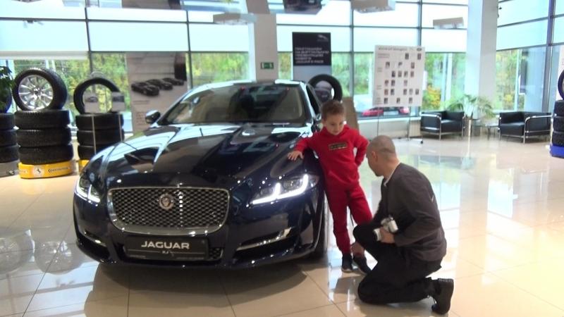 Раз,два,три. Урок - фотопозирование с авто класса VIP Jaguar