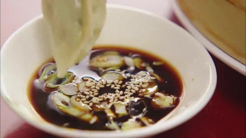 11 Lets Eat Ep6 _ Moms dumpling food show_Yoon Du-jun, Lee Soo-kyung