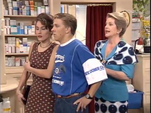 1x37 Farmacia de Guardia Дежурная аптека Любовь ревность и валерьянка