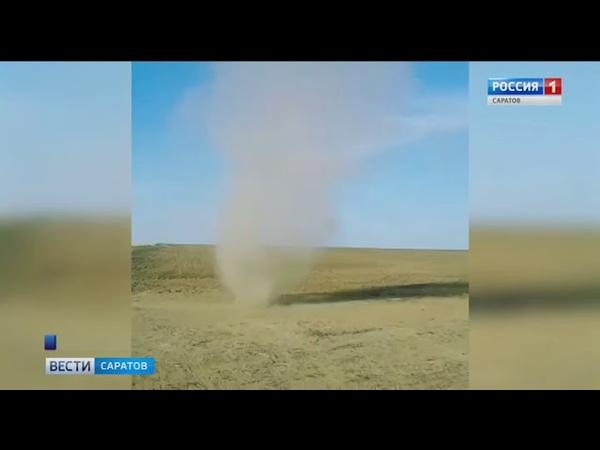 Пылевые бури кружили по полю в Новоузенском районе