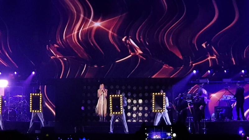 Shake It Off - Mariah Carey (Live in Shenzen 2018)