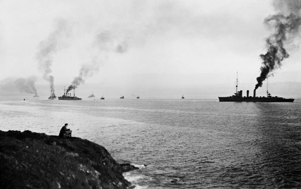 КОНЕЦ ФЛОТА ОТКРЫТОГО МОРЯ 21 июня 1919 года в бухте Скапа-Флоу на Оркнейских островах в Шотландии немецкими моряками был затоплен германский Флот открытого моря... Как считается, 11 ноября 1918
