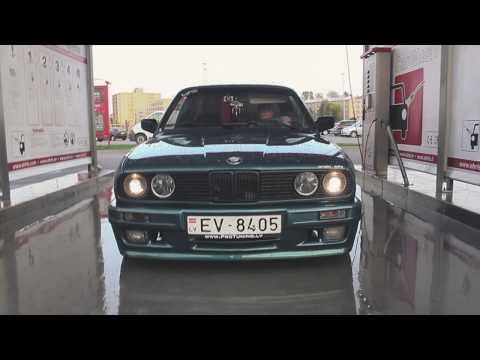 Lagunengrün metallic E30 on Borbet A Flashback from 2015