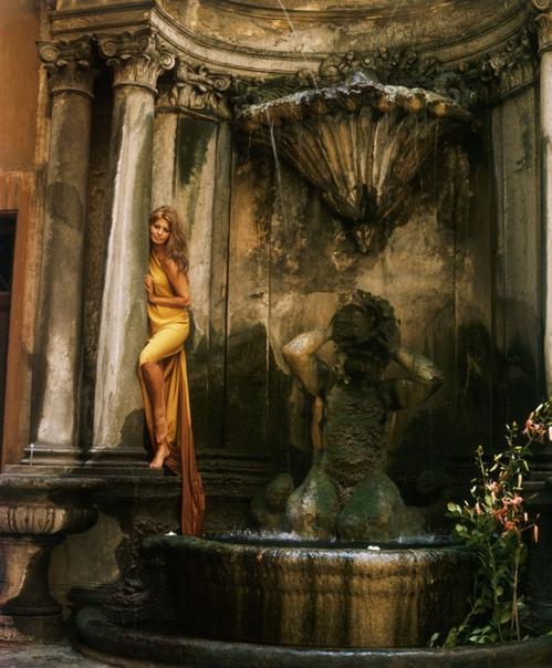 Итальянская актриса и певица Софи Лорен в объективе фотографа Милтона Грина.