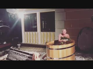 Анастасия Волочкова голая в купели