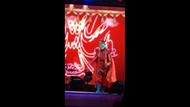 Mo Xao from Chongqing , performance change face ( bian lian ) представление смена лиц , Сычуаньская Опера ( Sichuan Opera)