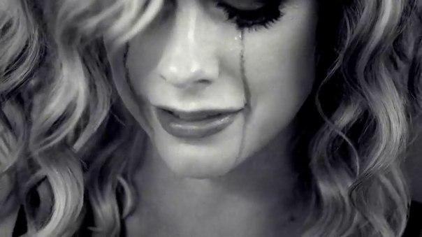 Картинки девушки в слезах