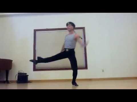 Подборка весёлых танцев!Военные тоже умеют танцевать!Смотреть всем!Круто)