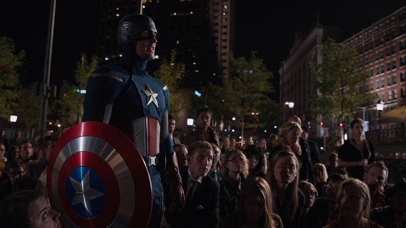 Капитан Америка и Железный человек против Локи. Мстители (2012)
