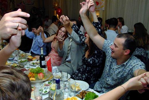Пьяные конкурсы за столом