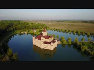 Замок Шато-Эркен в Кабардино-Балкарии снято на квадрокоптер DJI Mavic