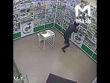 В Ростове грабитель унес ящик с пожертвованиями на лечение больному ребенку
