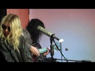 The Pretty Reckless - Take me down acoustic live 2017