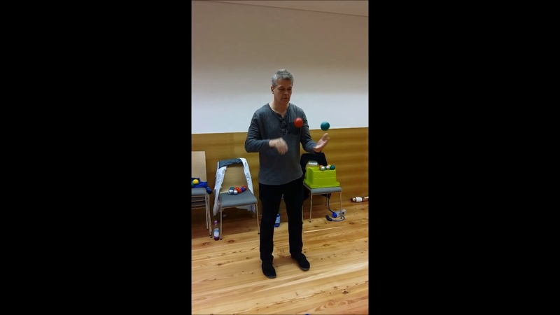Variationen mit 2 Bällen - Jonglier-Workshop Buchenried