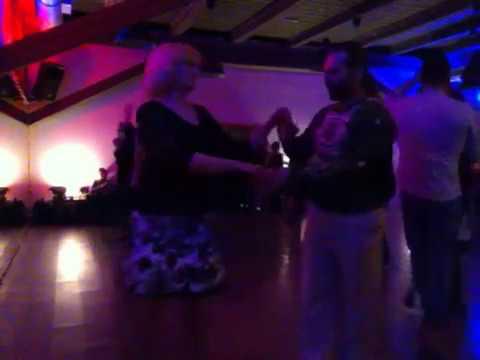 Кубинский танец Касино есть современный стиль Сона!