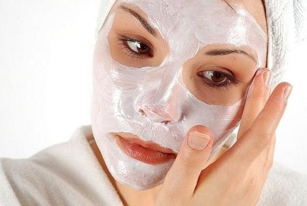 Вы можете использовать эти домашние маски для подтяжки лица 2-3 раза в неделю