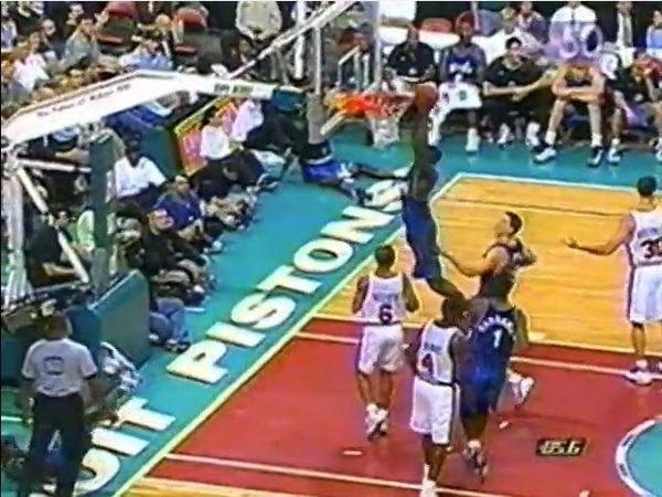 39-Year-Old Dominique Wilkins - Tip Dunk After the Whistle vs. Pistons (1999)