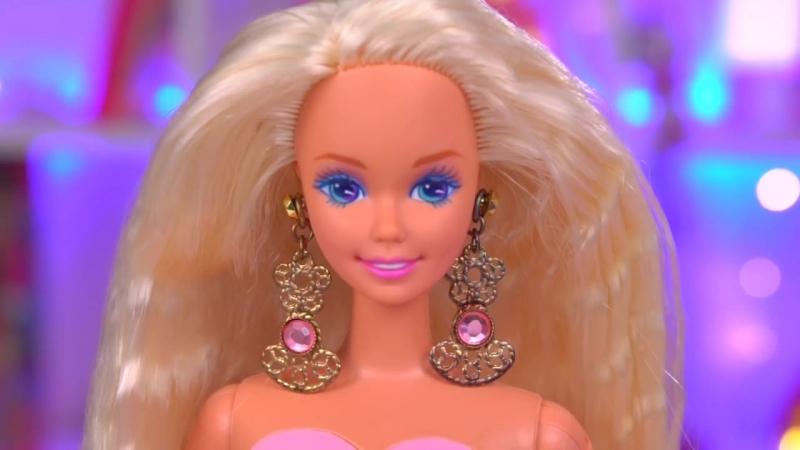 [BersReview] ЧТО ВНУТРИ Барби с косметикой 1993 года🎀Что с платьем😰Обзорраспаковка Barbie 90-х Locket Surprise