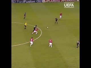Красивые голы четвертьфиналов Лиги чемпионов прошлых лет