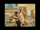 Школьницы танцуют во время уборки в школе (тверк сексопильные девчонки тверкают две подружки попки студентки crazy girls chicks)