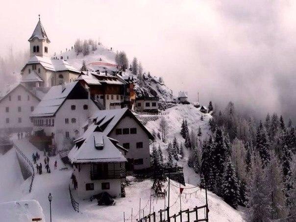 Домики в Альпах, Италия