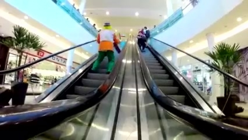 эскалатор приколы