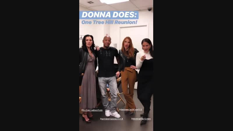 Дэннил Эклз, Хилари Бертон и Энтуон Таннер за кулисами передачи Today в Нью-Йорке