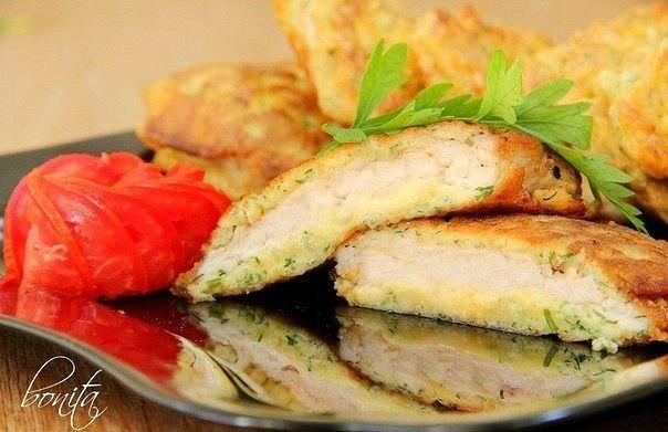 Куриные отбивные с сыром Ингредиенты: 500гр куриной грудинки; 150гр сыра; 2