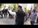 Des antifas à Portland dans l'Oregon (USA) se font défoncer comme des merdes par des groupes PRO USA