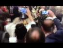Macron danse en Arménie