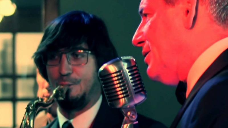 Stephen Triffitt sings Strangers in the Night