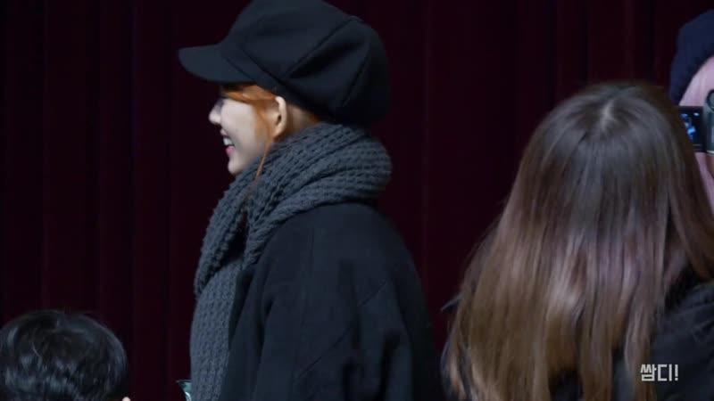[4K] 20190208 드림노트 (DreamNote) 유아이, 라라 한국 예술 고등학교 졸업식 끝나고 포토타임 직캠