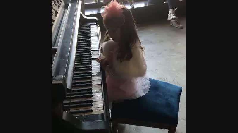 надо задуматься о музыкалке 😂