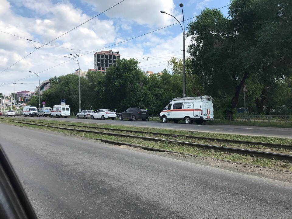 В центре Кемерова днём мужчина с ножом напал на женщину