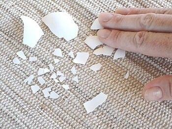 Декорируем поднос с помощью яичной скорлупы