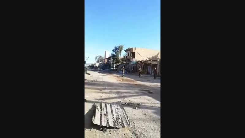 12.12.18 - бойцы СДС на рыночной улице Хаджина южнее мечети Аль-Фирдус