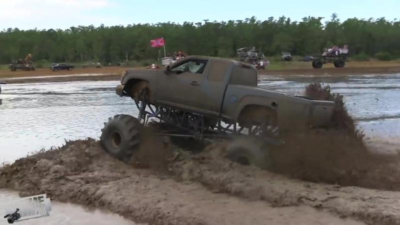 Mud Boggin In Florida - Redneck Mud Park