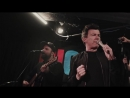 Рик Эстли исполнил «Never Gonna Give You Up» вместе с хором (VHS Video)