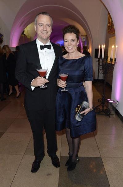 Оливия Колман и Эд Синклер Женаты с 2001.Сыновья Финн, Холл и дочь, чье имя неизвестно